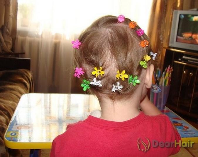 Прически с заколками для девочек 3 лет